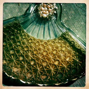 vint. glass tray